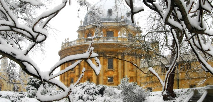 Winter scene - the Radcliffe Camera in Oxford